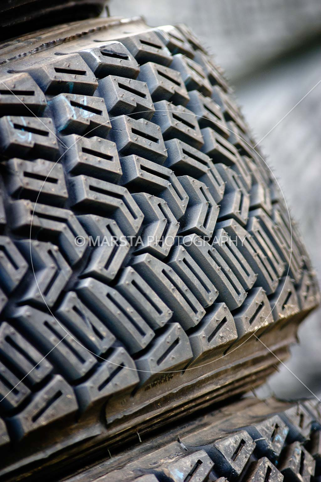 050605ARC;5 June 2005;ARC;Australia;Australian Rally Championship;Coates Rally Queensland;Imbil;QLD;Queensland;Sunshine Coast;auto;close-up;detail;dirt tyre;motorsport;racing;rally tyre;tyre