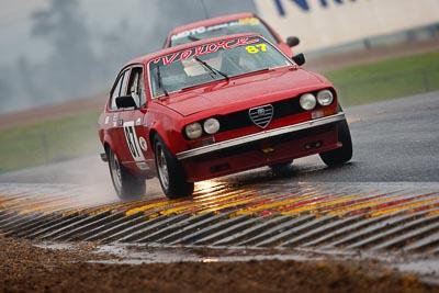 87;1976-Alfa-Romeo-Alfetta-GT;26-July-2009;Australia;FOSC;Festival-of-Sporting-Cars;Improved-Production;NSW;Narellan;New-South-Wales;Oran-Park-Raceway;Peter-Tillett;auto;motorsport;racing;super-telephoto