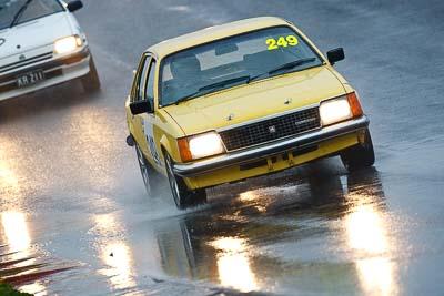 249;1981-Holden-Commodore-VB;26-July-2009;Australia;Dean-Browne;FOSC;Festival-of-Sporting-Cars;NSW;Narellan;New-South-Wales;Oran-Park-Raceway;Regularity;auto;motorsport;racing;super-telephoto