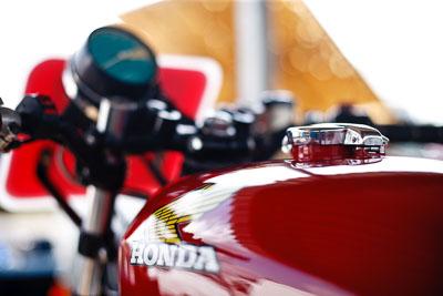 19-September-2009;50mm;Australia;Honda;Kurwongbah;Lakeside-Classic-Speed-Festival;Lakeside-Park;Lakeside-Raceway;QLD;Queensland;atmosphere;auto;brand;close‒up;detail;fuel-tank;logo;motorbike;motorcycle;motorsport;racing